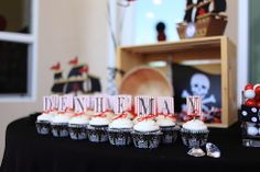 Sweet set-up at this pirate party!