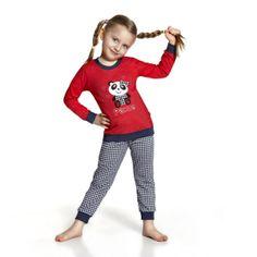 De Cornette Panda kinderpyjama van Corazonkids rood met geruite broek. De Cornette kinderpyjama van CorazonKids met een geruite broek is erg mooi en hip.. Het shirt heeft een leuke opdruk. De Cornette kinderpyjama van CorazonKids is van goede kwaliteit.