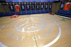 The @psg lockerroom, making the dream come true! ⚽️🔵🔴✌🏼Tag a PSG fan! #soccer #neymar #psg #paris #football #championsleague #friday