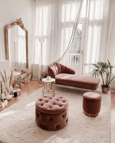 5 tips to to successfully decorate your living room living room decor livingroom ideen grau Looking to freshen up your home decor Get inspired by hundreds of photos and room tours of some of the South s most beautiful homes for home living room modern Decor Home Living Room, Home And Living, Pink Home Decor, Modern Living, Small Living, Glamour Living Room, Art Deco Living Room, Barn Living, Living Room Goals
