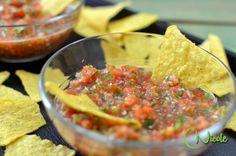 Cea mai usoara si rapida reteta de salsa de rosii. Este una dintre preferatele mele, alaturi de guacamole si salsa verde... Bologna, Guacamole, Toast, Mexican, Ethnic Recipes, Mai, Food, Sauces, Green