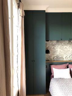 Bedroom Built In Wardrobe, Small Master Bedroom, Blue Bedroom, Closet Bedroom, Bedroom Colors, Studio Living, Condo Living, New Living Room, Bedroom Cupboard Designs