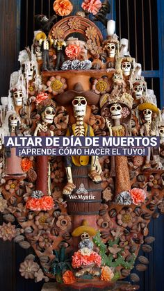 Tal vez lo primero que se nos viene a la mente cuando hablamos de esta celebración, es el altar de día de muertos. Hemos visto en películas y series cómo las familias se reúnen el 2 de Noviembre (o a veces desde antes), alrededor de una mesa llena de flores, fotografías, panes y dulces. Free Mind, Ideas Para Fiestas, Mexican Style, Day Of The Dead, Fall Halloween, Special Day, Halloween Decorations, Diy And Crafts, Festiva