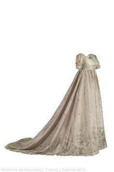 Spangled Taffeta Ball Gown, ca. 1805via Museo del Traje