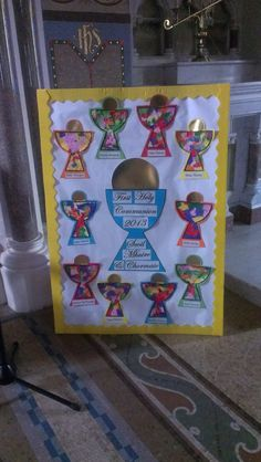 first holy communion art displays Ccd Activities, Religion Activities, Teaching Religion, Catholic Crafts, Catholic Kids, Kids Church, Church Ideas, First Communion Decorations, Sunday School Games