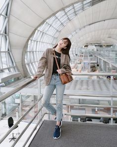 Popular College Fashion Trends to Keep You Looking Cute Korean Girl Fashion, Korean Fashion Trends, Korean Street Fashion, Ulzzang Fashion, Korea Fashion, Asian Fashion, Fashion Bloggers, Korean Spring Outfits, Korean Casual Outfits