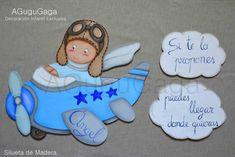 silueta-de-madera-niño-en-avión-AGuguGaga Cartoon Boy, Decoration, Ideas Para, Baby Shower, Retro, Boys, Airplanes, Country, Felt Toys