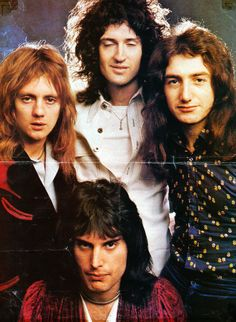 Brian May is listening to you. Feel free to submit, ask and cry over Brian May in our askbox. John Deacon, Queen Photos, Queen Pictures, Brian May, Roger Taylor, Estilo Rock, We Will Rock You, Queen Freddie Mercury, Queen Band