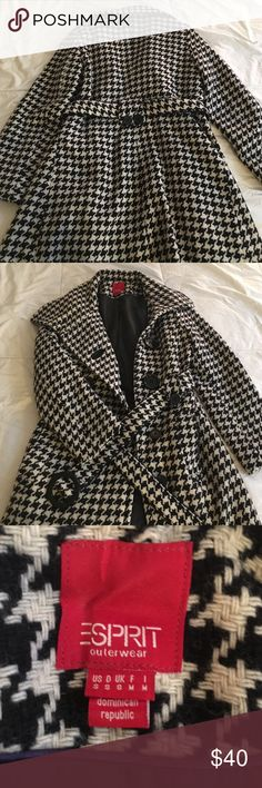 Houndstooth winter coat This coat kept me really warm last winter bc it's 80% wool! Perfect for staying dry if it's flurrying! Esprit Jackets & Coats Trench Coats