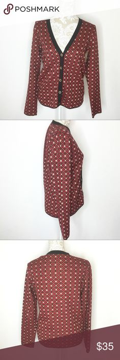 Fossil Button Cardigan Retro Circle Geo Wool blend Fossil Button Cardigan Retro Red & Gold Circle Geo all over print. Black trim. Size Medium. Wear over blouse for career attire to stay warm in cold offices. Goes great with dress pants slacks. Wool blend. EUC. No damage. Smoke free home. Approx measurements laying flat: coming soon. ❌No trades❌ Fossil Sweaters Cardigans