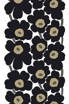 Love this iconic Unikko print from Marimekko. My bedding is made from this, and I used to have dishes with this pattern. Timeless.