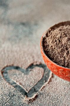 Homemade hot cocoa mix is the perfect easy recipe for anyone that loves chocolate. Make a big batch to give as gifts for the holidays! Hot Chocolate Bars, Chocolate Desserts, Cocoa Recipes, Drink Recipes, Dessert Recipes, Punch Recipes, Yummy Recipes, Mexican Hot Chocolate, Bacon Jam