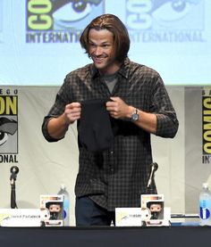"""Jared Padalecki Photos Photos - Actor Jared Padalecki appears onstage at the """"Supernatural"""" panel during Comic-Con International 2015 at the San Diego Convention Center on July 12, 2015 in San Diego, California. - The 'Supernatural' Panel at Comic-Con International 2015"""