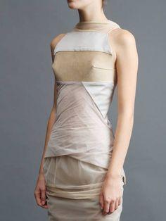 RICK OWENS - nice grey - blush and lights look good on it Fashion Art, Runway Fashion, High Fashion, Womens Fashion, Fashion Design, Wabi Sabi, Rick Owens, Fashion Details, Ready To Wear