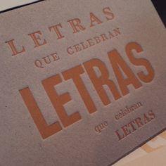 """""""Letras que celebran letras..."""" Papel Principal - Instagram #letterpress"""