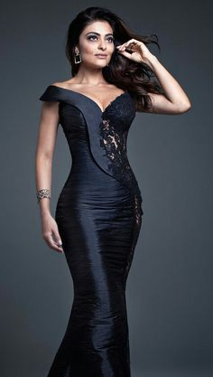 Formal Dresses Designer Names neither Fashion Nova Tunic Dress and Dillards Evening Gowns On Sale along with Evening Gowns Elegant beside Like New Dress Fashion Nova Elegant Dresses, Pretty Dresses, Sexy Dresses, Fashion Dresses, Prom Dresses, Formal Dresses, Robes Glamour, Beautiful Gowns, Dress Patterns