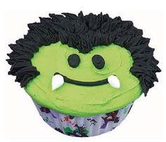 Wilton® Fang Club Members Cupcakes