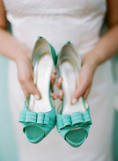 The Perfect Palette: {Something Borrowed, Something Blue}: A Palette of Tiffany Blue, Aqua + White. Love these shoes! Blue Wedding Shoes, Aqua Wedding, Bridal Shoes, Tiffany Wedding, Bleu Tiffany, Tiffany Blue Shoes, Tiffany Green, Aqua Shoes, Blue Heels