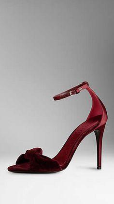 MARSALA #coloroftheyear Wedding Shoes #Wedding
