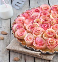 Très à la mode en ce moment, la tarte bouquet de roses aux pommes est inspirée d'une recette d'Alain Passard. Une très jolie création de Bonneterre pour la sortie de leur nouvelle boisson Riz Epeautre Amande.