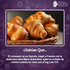 ¿#SabíasQue El croissant no es francés?#Curiosidades#Gastronomía