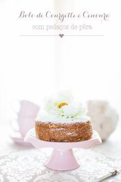 Zucchini, Carrot Cake with pear Chunks * Bolo de Courgette e Cenoura com pedaços de Pêra