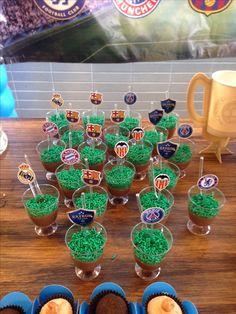 Festa Champions League Rayron Ranieri 10 anos. Decoração Anna Festeira. Doces La Dulceria Gourmet.
