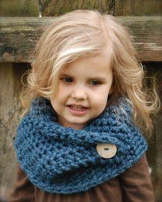 Crochet PATTERN-The Tuscyn Cowl (Toddler, Child, Adult sizes) by Thevelvetacorn on Etsy Cowl Scarf, Knit Cowl, Crochet Scarves, Knit Crochet, Free Crochet, Baby Knitting Patterns, Crochet Patterns, Crochet Ideas, Häkelanleitung Baby