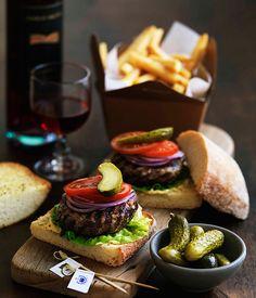 ¿Qué tal unas hamburguesas gourmet para este fin de semana? Chilli burgers - Gourmet Traveller