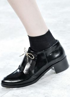 #Inspiration #Black #Shoes #Autumn #Look #BiographyTrend #MountainHorse #BiographyCollection #Biography