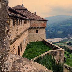 Castello di Bardi - Instagram by claeirereds