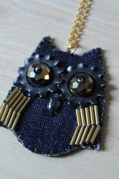 Denim and felt owl necklace Owl Jewelry, Textile Jewelry, Fabric Jewelry, Jewelry Crafts, Beaded Jewelry, Handmade Jewelry, Jewelery, Jean Crafts, Denim Crafts