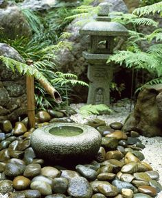 fontaine pour bassin en bambou, petit bassin en pierre