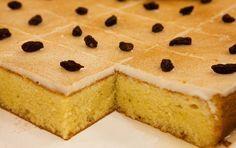 Uno de mis postres preferidos es el pastel borracho, y es que su nombre viene porque en los ingredientes lleva un poco de ron, pero e...