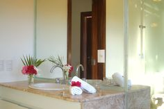 One of the very stilish, top equipped, clean and modern bathroms at Villa Cacau. Hot water shower, toilet aaaaand jacuzzi are part of it.