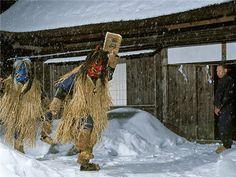 秋田県内各地で行われる小正月行事「なまはげ」。