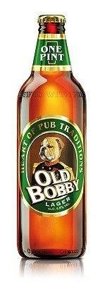 Cerveja Old Bobby Lager, estilo Amber Lager, produzida por Baltika Brewery, Inglaterra. 4.5% ABV de álcool.