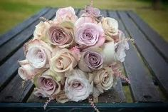 quicksand, amnesia and faith roses with pink astilbe