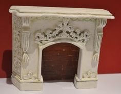 how to: miniature fireplace Doll House Crafts, My Doll House, Barbie House, Doll Crafts, Miniature Rooms, Miniature Furniture, Dollhouse Furniture, Edwardian Fireplace, Dollhouse Tutorials