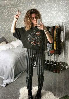 Outfit Ideas for Spring Seasons . - Outfit Ideas for Spring Seasons . - Outfit Ideas for Spring Seasons Outfit Ideas for Spring Seasons Outfit Ideas for Spring Seasons [ Hipster Outfits, Edgy Outfits, Mode Outfits, Grunge Outfits, Black Outfit Grunge, Grunge Boots, School Outfits, Vintage Outfits, Retro Outfits