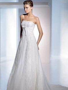 Empire Waist A-line Strapless Tulle Wedding Dress