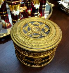 Beautiful round brass trinket box.