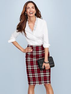 This gorgeous, merry plaid pencil skirt is just what your wardrobe needs for holiday office parties.