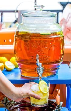 Ah, sun tea. The nostalgic beverage from childhood that brings back warm memories of sitting out on our back porch sipping tea and spitting watermelon seeds. It seems that all my adolescent summert… Sun Tea Recipes, Sweet Tea Recipes, Drink Recipes, Summer Recipes, Party Recipes, Vegan Recipes, Dinner Recipes, Cocktail Drinks, Fun Drinks