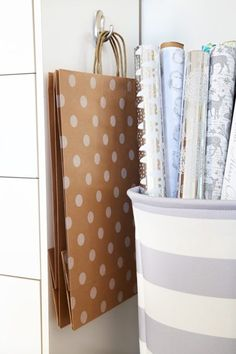 Fresh Metal Paper organizer Shelves