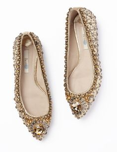 Boden flat jewelled pointed pumps, These shoes, you guys: THESE SHOES. These shoes. are flats, sure. They're quite possibly the nicest flats I've Pretty Shoes, Beautiful Shoes, Bridal Shoes, Wedding Shoes, Wedding Dress, Ballerinas, Best Black Friday Sales, Jeweled Shoes, Mode Style