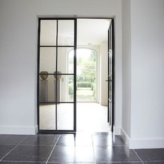 Love a door like this is my house. Domus Aurea | Exclusieve Villabouw