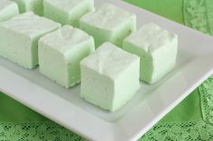 Key Lime Marshmallows (and how to make key lime smores!) and ideas for s'more party - follow link at bottom of recipe