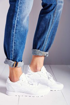 Reebok Classic Leather Running from Urban Outfitters. Saved to Shoes. Shop more products from Urban Outfitters on Wanelo. Reebok Classic Sneakers, White Sneakers, Red Shoes Outfit, Cute Kids Fashion, College Outfits, Classic Leather, Classic Outfits, Looks Style, Zapatos