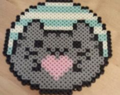 Pusheen inspired donut perler decoration , cold drink coaster, or mouse pad! Easy Perler Bead Patterns, Melty Bead Patterns, Perler Bead Templates, Diy Perler Beads, Perler Bead Art, Perler Bead Designs, Hama Beads Design, Hamma Beads 3d, Hamma Beads Ideas